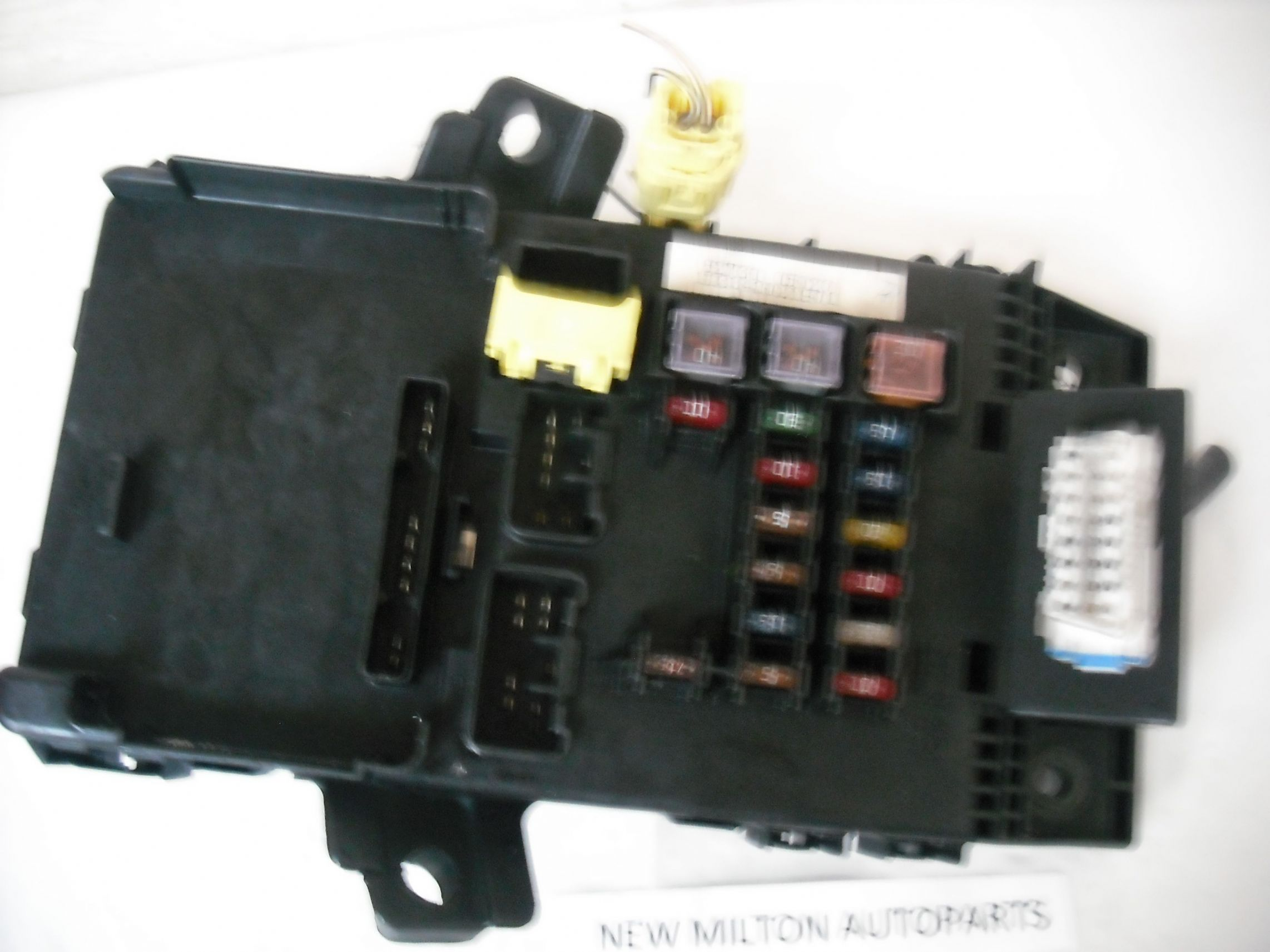 Toyota Avensis Facelift 2000 2003 Fuse Box Controller 82730 05020 113343021901